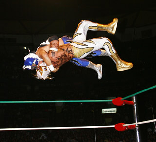 High flying luchadors
