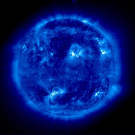 A blue tint represents the hottest plasma