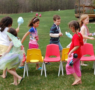 Pictured above: Microsoft and Nintendo playing musical chairs.