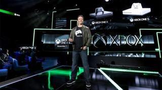 Phil Spencer reveals Xbox One X.