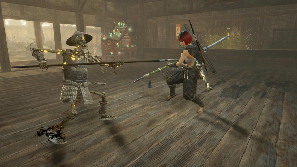 A mid-battle pose, taken with the game's Photo Mode. Mid stance is perfectly adequate for humans or humanoid enemies like this skel-bro here, but the size and/or speed of the opponent might necessitate a stance shift.