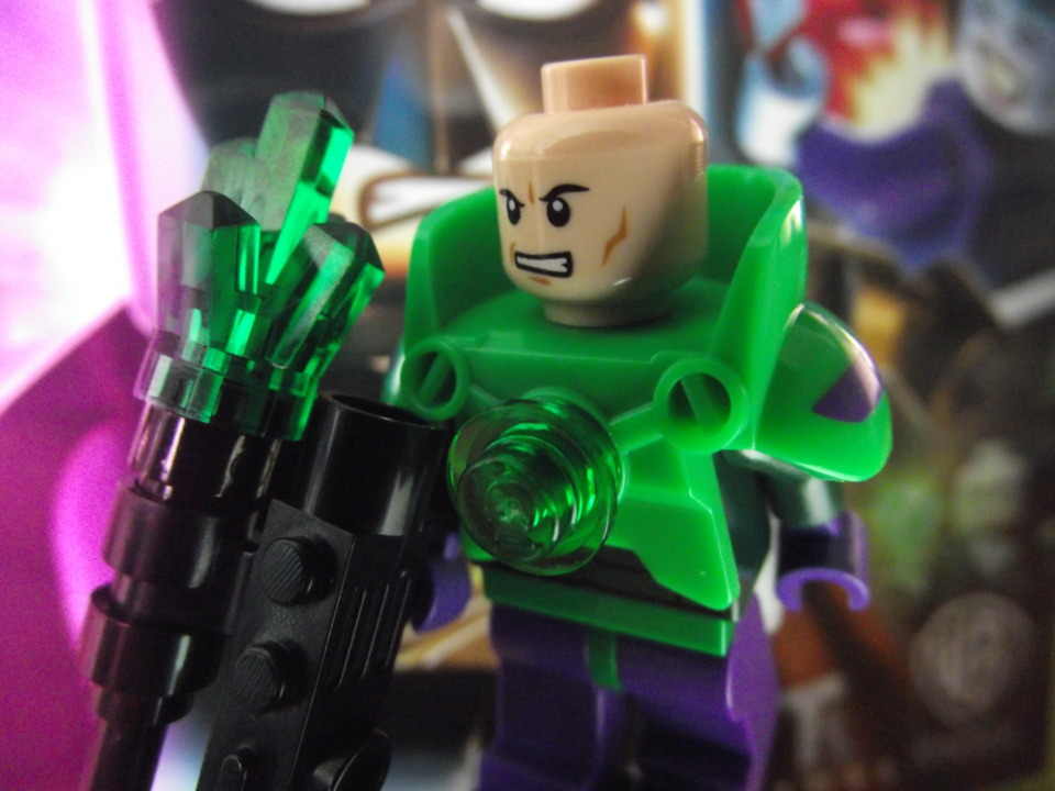 I may have given that extra half-star just because of the awesomely cute Lex Luthor minifig my copy came with. Maybe.