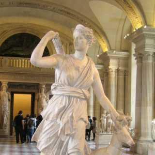 Artemis (Louvre Paris)